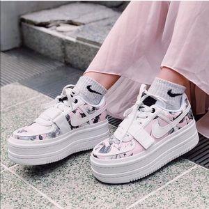 Nike Vandal 2K LX Floral Sneakers Pink White 10.5